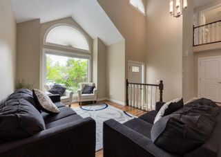 Photo 5: 86 Wood Valley Drive SW in Calgary: Woodbine Detached for sale : MLS®# A1119204