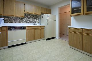 """Photo 7: 903 615 BELMONT Street in New Westminster: Uptown NW Condo for sale in """"BELMONT TOWERS"""" : MLS®# R2152611"""