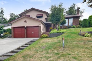 Photo 1: 2272 BEVAN Crescent in Abbotsford: Abbotsford West House for sale : MLS®# R2404030