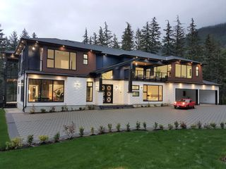 """Photo 3: 9055 ARMCHAIR Place in Whistler: WedgeWoods House for sale in """"Wedgewoods"""" : MLS®# R2621721"""