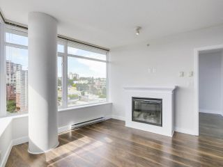 """Photo 2: 1908 892 CARNARVON Street in New Westminster: Downtown NW Condo for sale in """"AZURE 2"""" : MLS®# R2191316"""