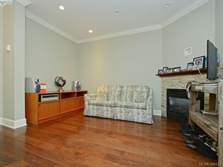 Photo 4: 2 1146 Richardson St in VICTORIA: Vi Fairfield West Condo for sale (Victoria)  : MLS®# 779895