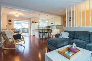 Photo 1: 463 Woods Ave in : CV Courtenay City House for sale (Comox Valley)  : MLS®# 863987