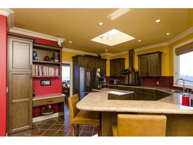 """Photo 10: Photos: 1159 BALSAM Street: White Rock House for sale in """"UPPER EAST BEACH"""" (South Surrey White Rock)  : MLS®# F1445609"""