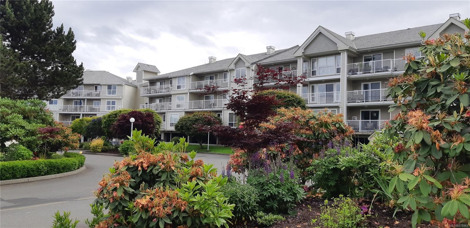 Main Photo: 215 155 Erickson Rd in : CR Willow Point Condo for sale (Campbell River)  : MLS®# 878961