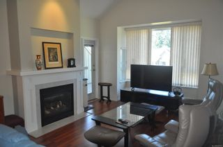 Photo 3: 401 5685 Edgewater Lane in : Na North Nanaimo Condo for sale (Nanaimo)  : MLS®# 866770