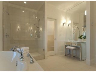 Photo 3: 13590 MARINE DR in Surrey: Crescent Bch Ocean Pk. House for sale (South Surrey White Rock)  : MLS®# F1401186