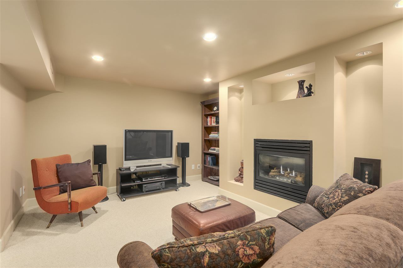 Photo 14: Photos: 4132 ETON STREET in Burnaby: Vancouver Heights House for sale (Burnaby North)  : MLS®# R2255110