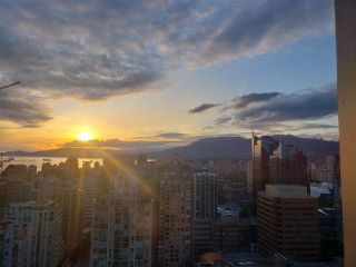 """Photo 2: 3201 1199 SEYMOUR Street in Vancouver: Downtown VW Condo for sale in """"BRAVA"""" (Vancouver West)  : MLS®# R2462993"""
