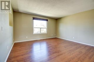 Photo 4: 239, 56 Holmes Street in Red Deer: Condo for sale : MLS®# A1129649