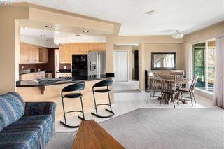Photo 9: 916 Cobblestone Lane in VICTORIA: SE Broadmead House for sale (Saanich East)  : MLS®# 832198