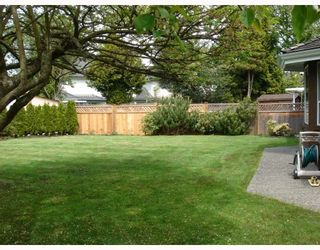 Photo 9: 7051 LIVINGSTONE Place in Richmond: Granville House for sale : MLS®# V763530