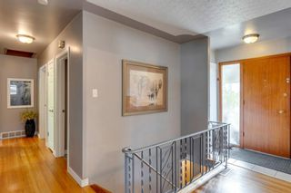 Photo 5: 9 Chisholm Crescent NW in Calgary: Charleswood Detached for sale : MLS®# A1115006