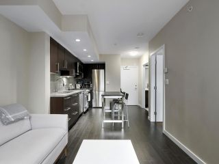 """Photo 12: 554 108 W 1ST Avenue in Vancouver: False Creek Condo for sale in """"OLYMPIC VILLAGE"""" (Vancouver West)  : MLS®# R2437073"""