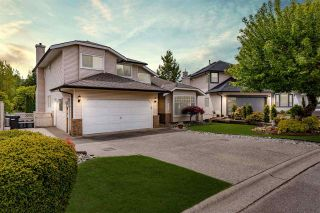 "Photo 3: 35418 LETHBRIDGE Drive in Abbotsford: Abbotsford East House for sale in ""Sandy Hill"" : MLS®# R2575063"