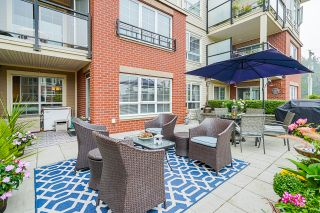 """Photo 41: 210 2940 KING GEORGE Boulevard in Surrey: King George Corridor Condo for sale in """"HIGH STREET"""" (South Surrey White Rock)  : MLS®# R2496807"""