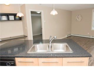 Photo 7: 206 120 COUNTRY VILLAGE Circle NE in Calgary: Country Hills Village Condo for sale : MLS®# C4028039