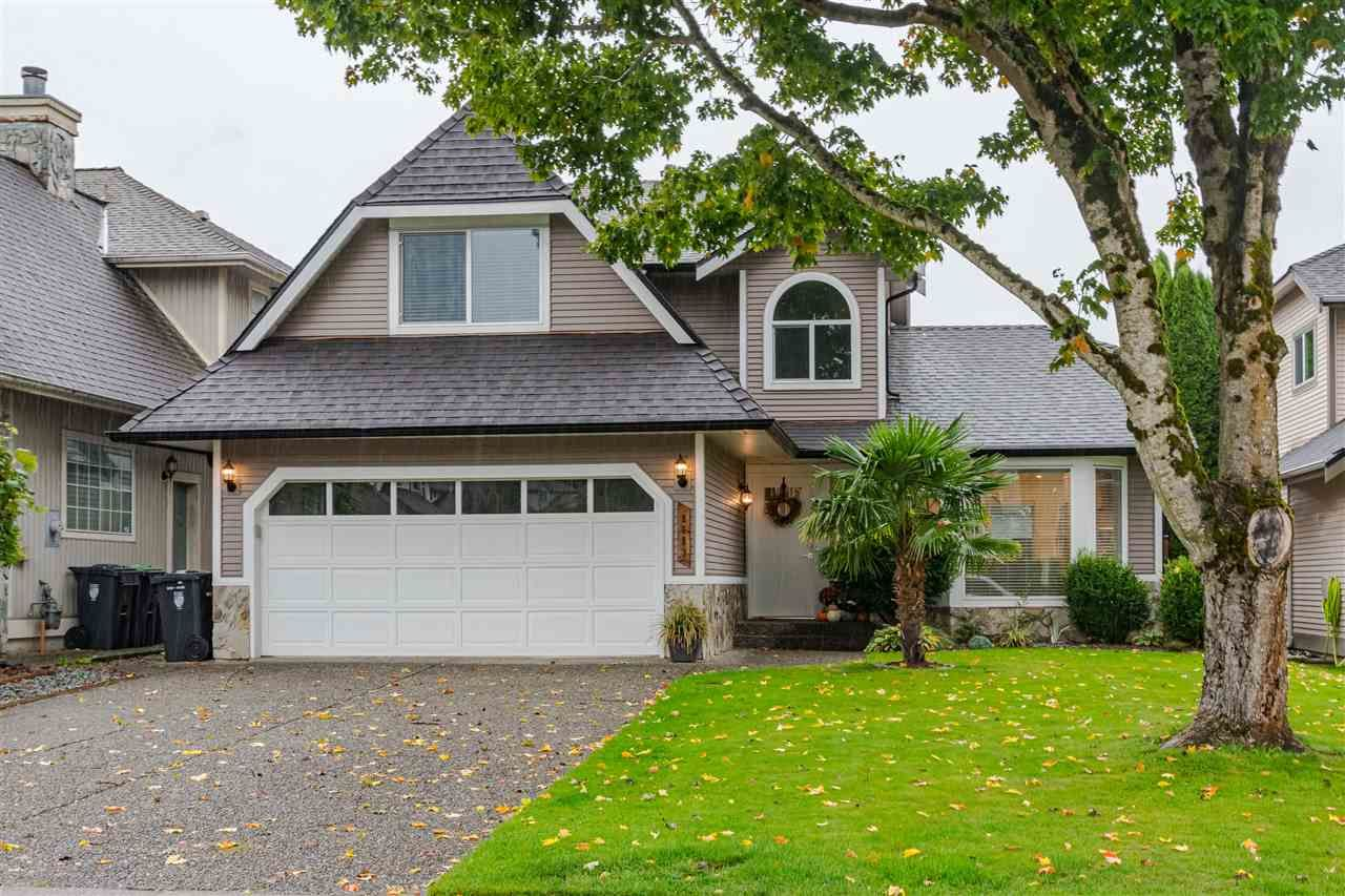 Main Photo: 8683 215 Street in Langley: Walnut Grove House for sale : MLS®# R2507447