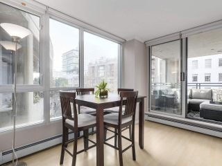 """Photo 2: 501 183 KEEFER Place in Vancouver: Downtown VW Condo for sale in """"PARIS PLACE"""" (Vancouver West)  : MLS®# R2124284"""