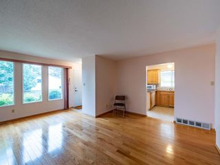 Photo 5: 547 Sabrina Road SW in Calgary: Southwood Detached for sale : MLS®# A1146796