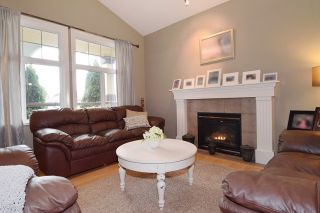 Photo 2: 23475 109 Loop in Maple Ridge: Albion House for sale : MLS®# R2045360