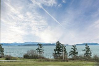 Photo 2: 8731 Bourne Terr in : NS Bazan Bay House for sale (North Saanich)  : MLS®# 864206