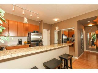 "Photo 6: 506 14 E ROYAL Avenue in New Westminster: Fraserview NW Condo for sale in ""VICTORIA HILL"" : MLS®# R2526289"