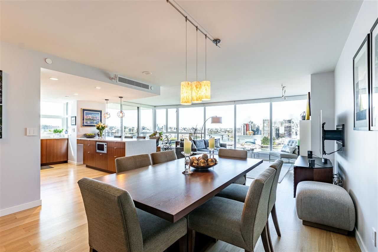 """Photo 22: Photos: 1605 120 MILROSS Avenue in Vancouver: Downtown VE Condo for sale in """"THE BRIGHTON BY BOSA"""" (Vancouver East)  : MLS®# R2568798"""