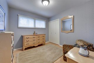 Photo 18: 2336 LONGRIDGE Drive SW in Calgary: North Glenmore Park Detached for sale : MLS®# C4272133
