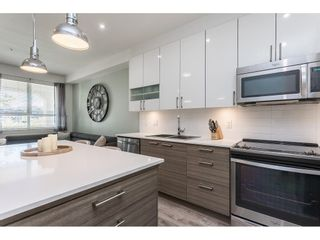 """Photo 4: 104 16398 64 Avenue in Surrey: Cloverdale BC Condo for sale in """"The Ridge at Bose Farm"""" (Cloverdale)  : MLS®# R2590975"""