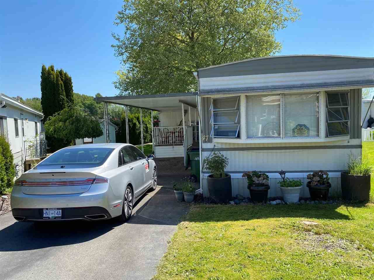 """Main Photo: 47 1840 160 Street in Surrey: King George Corridor Manufactured Home for sale in """"Breakaway Bays"""" (South Surrey White Rock)  : MLS®# R2580835"""