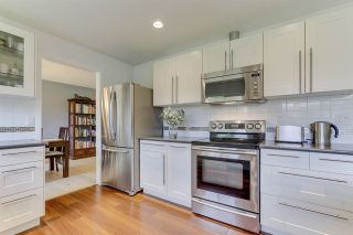 """Photo 15: 14907 SOUTHMERE Place in Surrey: Sunnyside Park Surrey House for sale in """"SOUTHMERE"""" (South Surrey White Rock)  : MLS®# R2468824"""