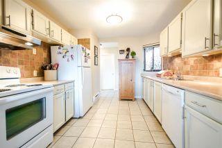 Photo 8: 301 1467 MARTIN Street: White Rock Condo for sale (South Surrey White Rock)  : MLS®# R2047854