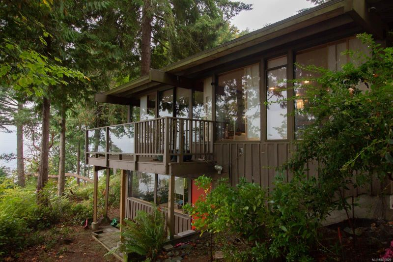 FEATURED LISTING: 3522 Stephenson Point Rd