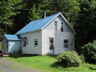 Photo 1: 111 Woodside Road in Dean: 35-Halifax County East Residential for sale (Halifax-Dartmouth)  : MLS®# 202119535