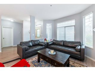 """Photo 4: 37 5708 208 Street in Langley: Langley City Townhouse for sale in """"Bridle Run"""" : MLS®# R2533502"""