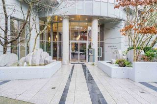 Photo 3: 801 1050 SMITHE STREET in Vancouver: West End VW Condo for sale (Vancouver West)  : MLS®# R2527414