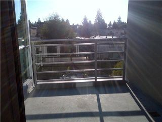 Photo 9: 315 135 E 17TH Street in North Vancouver: Central Lonsdale Condo for sale : MLS®# V1123199