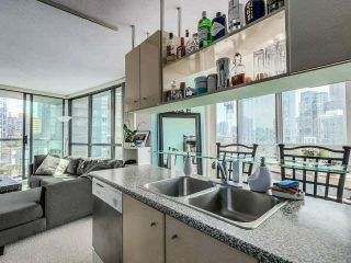 Photo 6: 709 501 PACIFIC STREET in Vancouver West: Home for sale : MLS®# V1140584