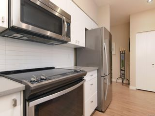 Photo 12: 104 785 Tyee Rd in : VW Victoria West Condo for sale (Victoria West)  : MLS®# 871798