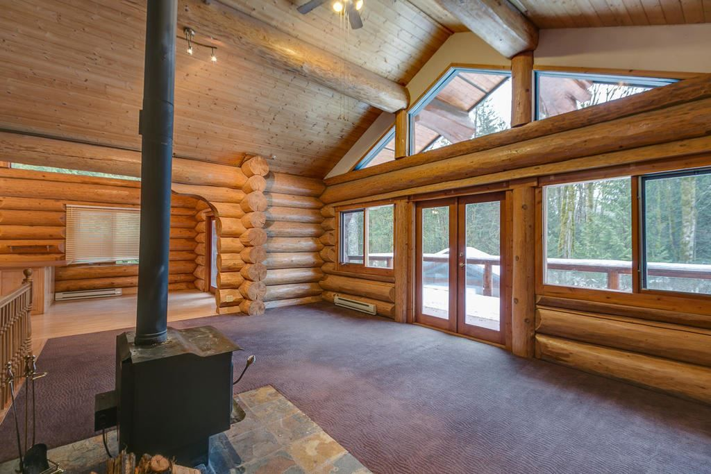 """Main Photo: 2020 PARADISE VALLEY Road in Squamish: Paradise Valley House for sale in """"Paradise Valley"""" : MLS®# R2131666"""