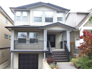 Photo 1: 15539 Thrift Ave in White Rock: Home for sale