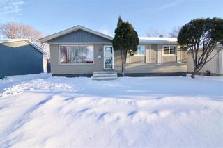 Photo 1: 19 Malden Close in Winnipeg: Maples Residential for sale (4H)  : MLS®# 202101865