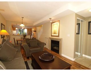 Photo 2: 14 288 ST DAVIDS Avenue in North_Vancouver: Lower Lonsdale Townhouse for sale (North Vancouver)  : MLS®# V764880