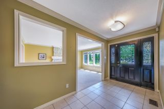 Photo 3: 8220 COLDFALL Court in Richmond: Boyd Park House for sale : MLS®# R2592335