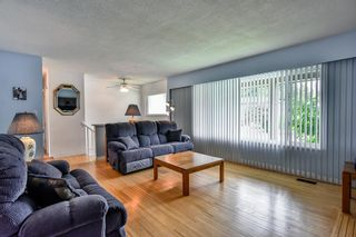 Photo 2: 10843 85A Avenue in Delta: Nordel House for sale (N. Delta)  : MLS®# R2187152