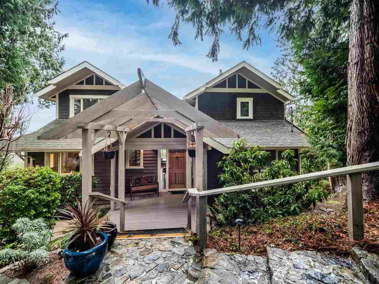 Main Photo: 7955 REDROOFFS Road in Halfmoon Bay: Halfmn Bay Secret Cv Redroofs House for sale (Sunshine Coast)  : MLS®# R2534794