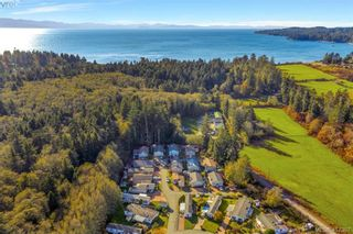 Photo 1: 40 7109 West Coast Rd in SOOKE: Sk Whiffin Spit Manufactured Home for sale (Sooke)  : MLS®# 827915