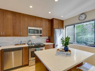 """Photo 7: 408 CROSSCREEK Road: Lions Bay Townhouse for sale in """"The Cedars"""" (West Vancouver)  : MLS®# R2514605"""
