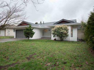 """Photo 2: 14286 20 Avenue in Surrey: Sunnyside Park Surrey House for sale in """"Sunnyside Park"""" (South Surrey White Rock)  : MLS®# R2431342"""